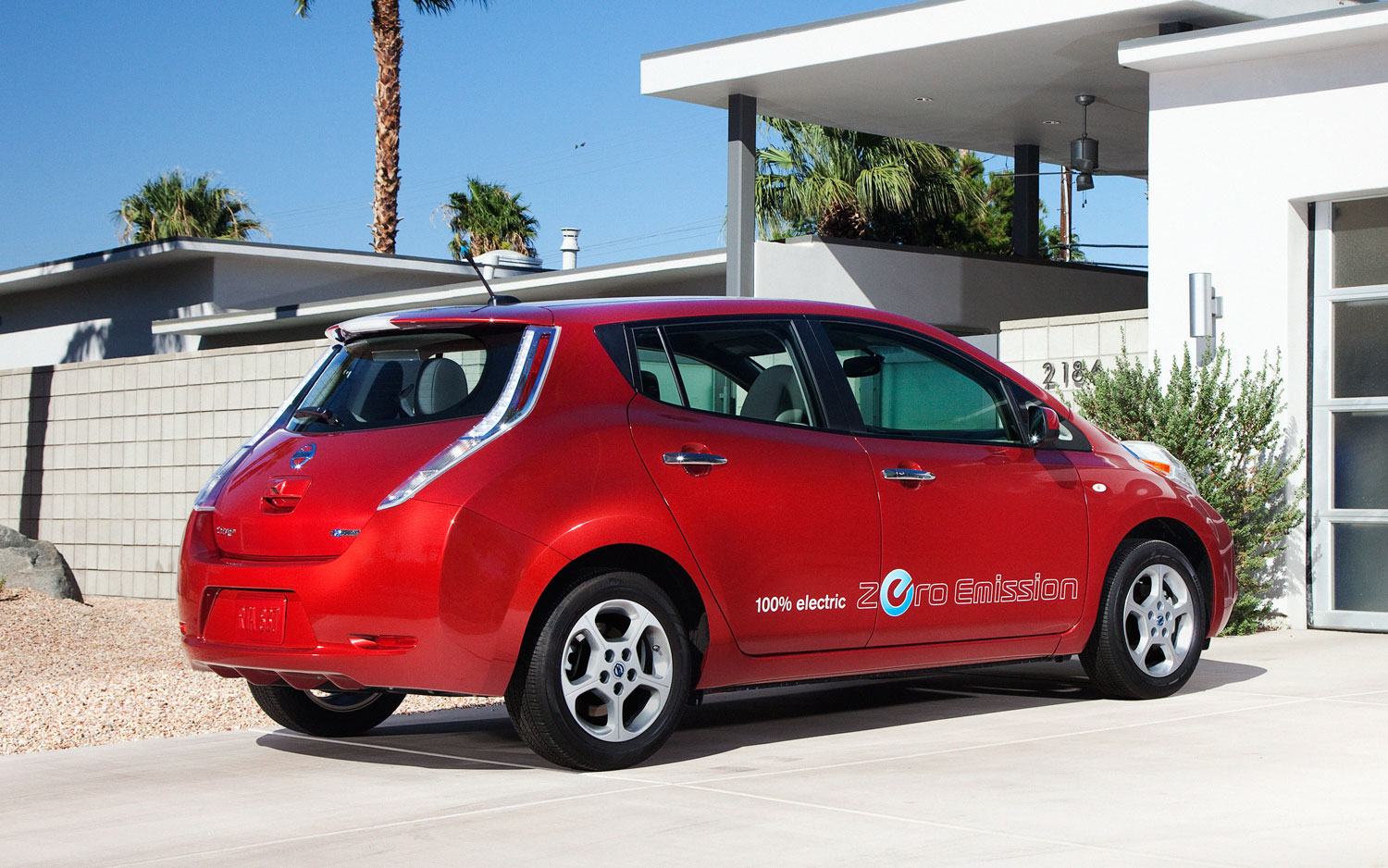 Nissan Ups Leaf Warranty to Cover Battery Life for 5 Years ...
