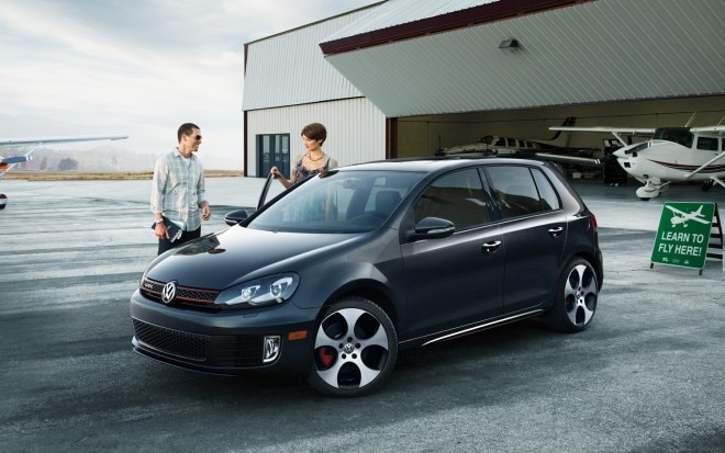 2012 Volkswagen GTI Front Three Quarter1 660x413