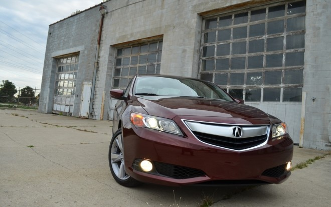 2013 Acura ILX Front View 61 660x413