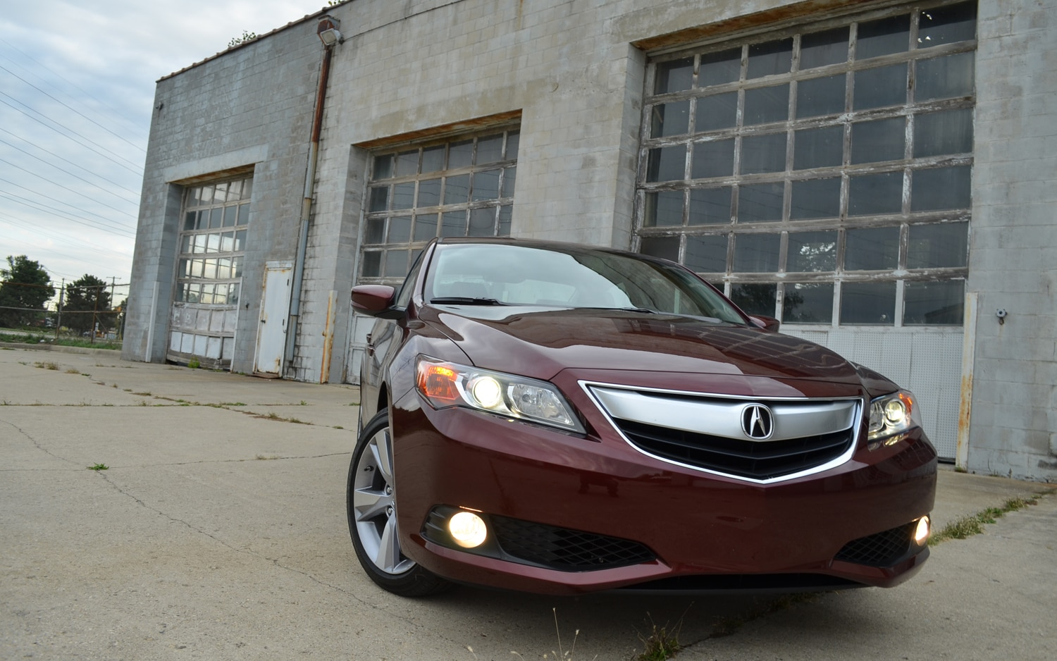 2013 Acura ILX Front View 61