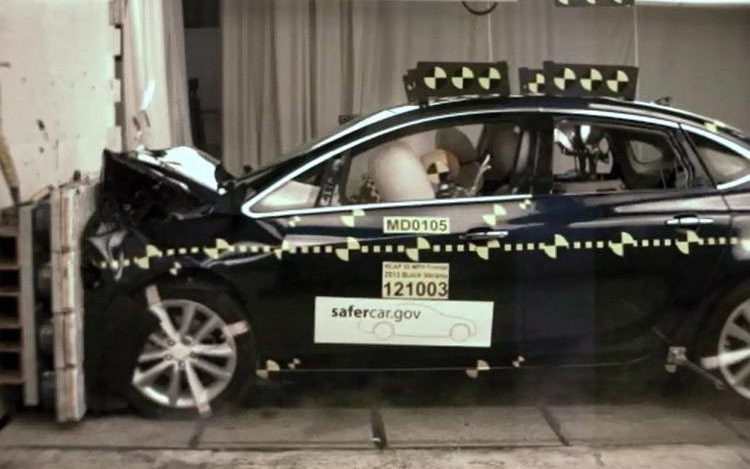 2013 Buick Verano Crash Test1