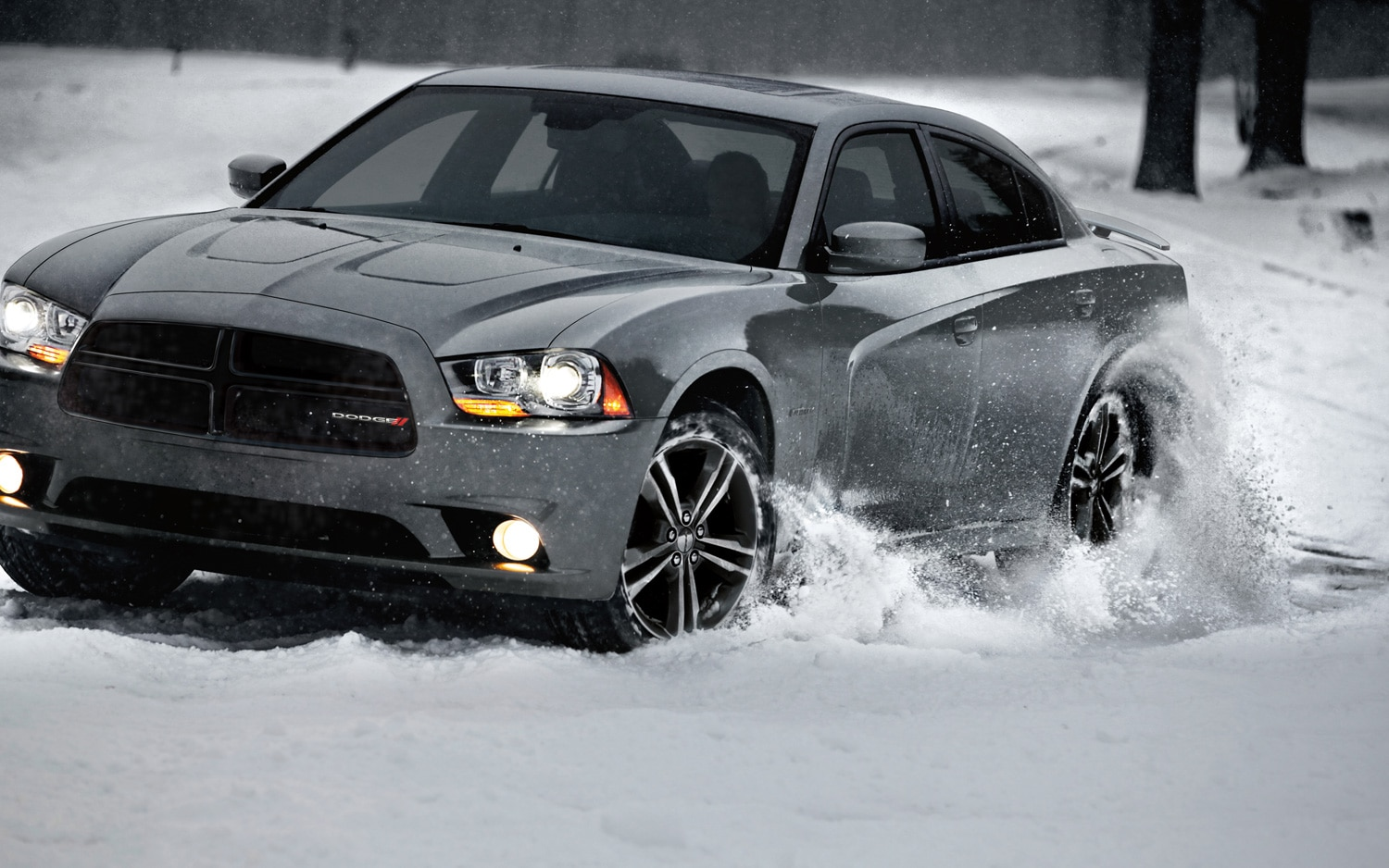 2013 Dodge Charger AWD Sport Front Three Quarter1
