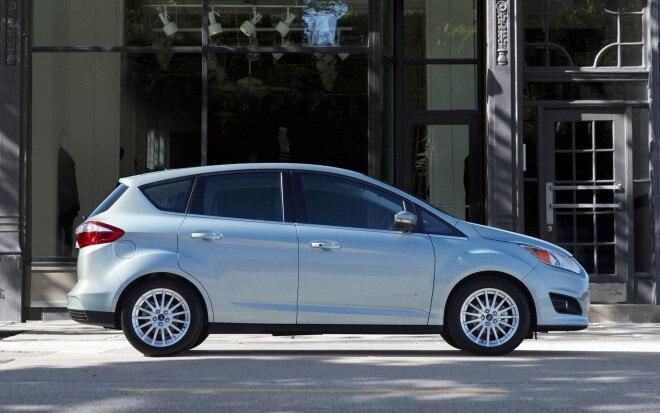 2013 Ford C Max Hybrid Profile11 660x413