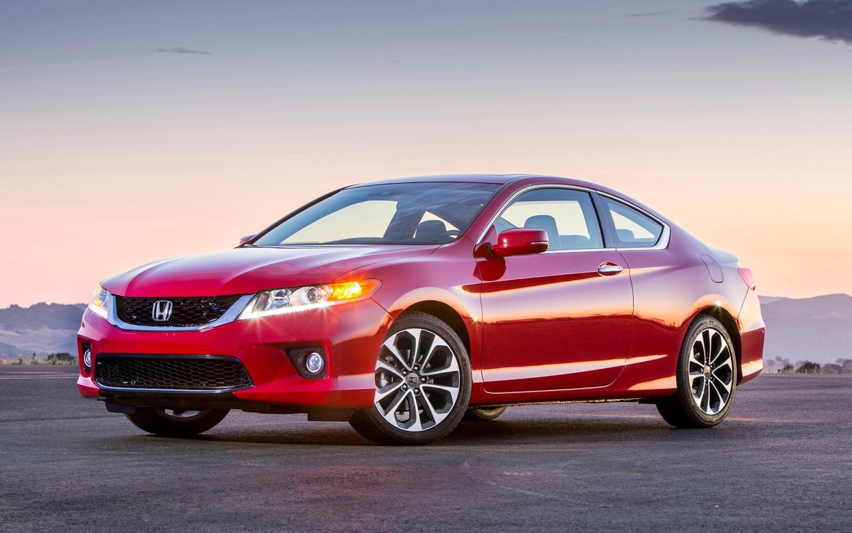 2013 Honda Accord V 6 Coupe Front Three Quarter1