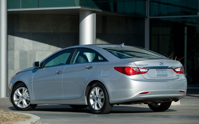 2013 Hyundai Sonata Limited Left Rear1