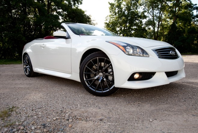 2013 Infiniti IPL G37 Convertible Front Right Side View1 660x443