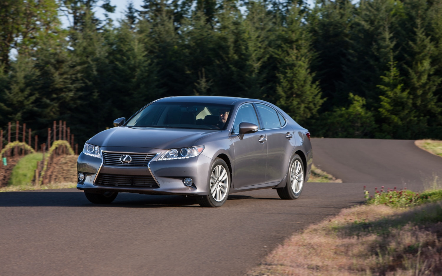 2013 lexus es350 and es300h receive five stars from nhtsa. Black Bedroom Furniture Sets. Home Design Ideas