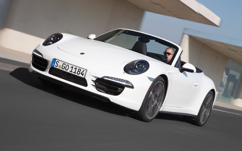 2013 porsche 911 carrera 4s cabriolet white front three quarter 2 - 911 Porsche 2015 White