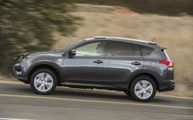 2013 Toyota RAV 4 Side In Motion1 660x413