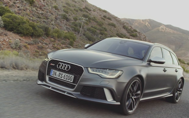 2014 Audi RS6 Avant Front Three Quarter11