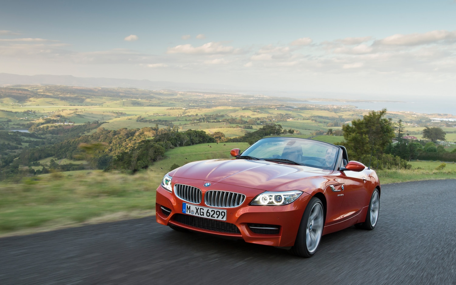 2014 BMW Z4 Front Three Quarter In Motion1
