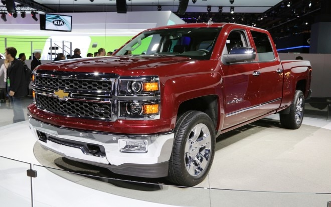 2014 Chevrolet Silverado Front Three Quarters2 660x413