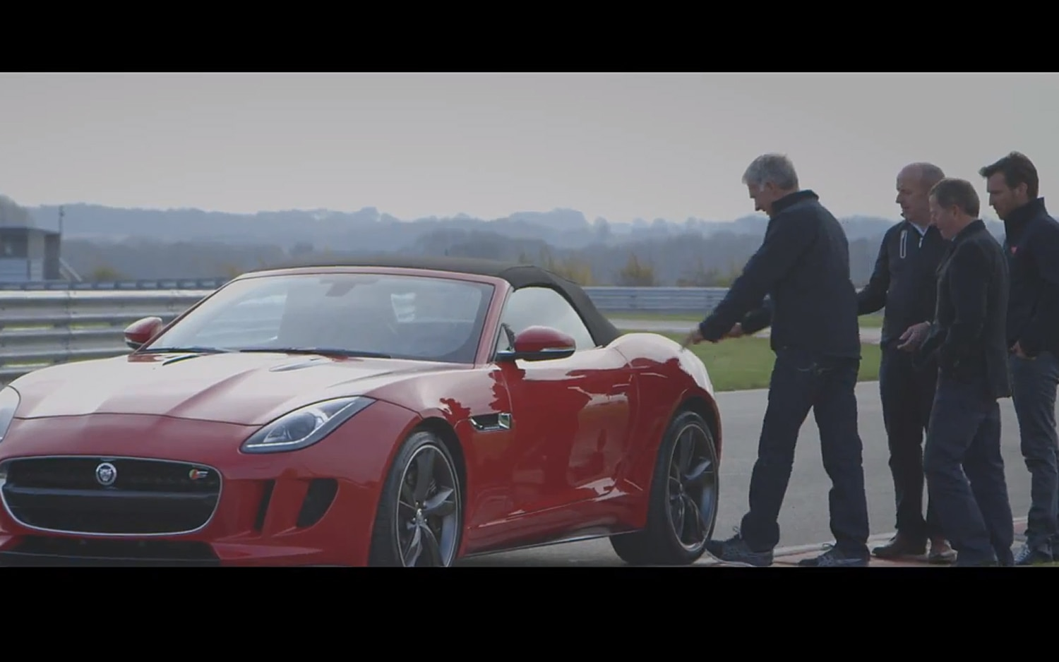 2014 Jaguar F Type With Drivers1