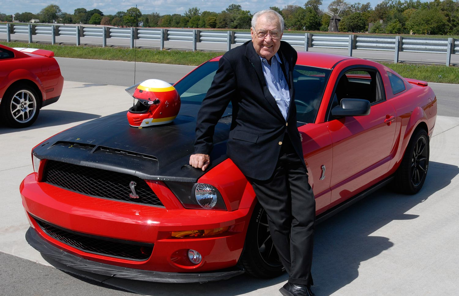 Carroll Shelby With GT500 Prototype1
