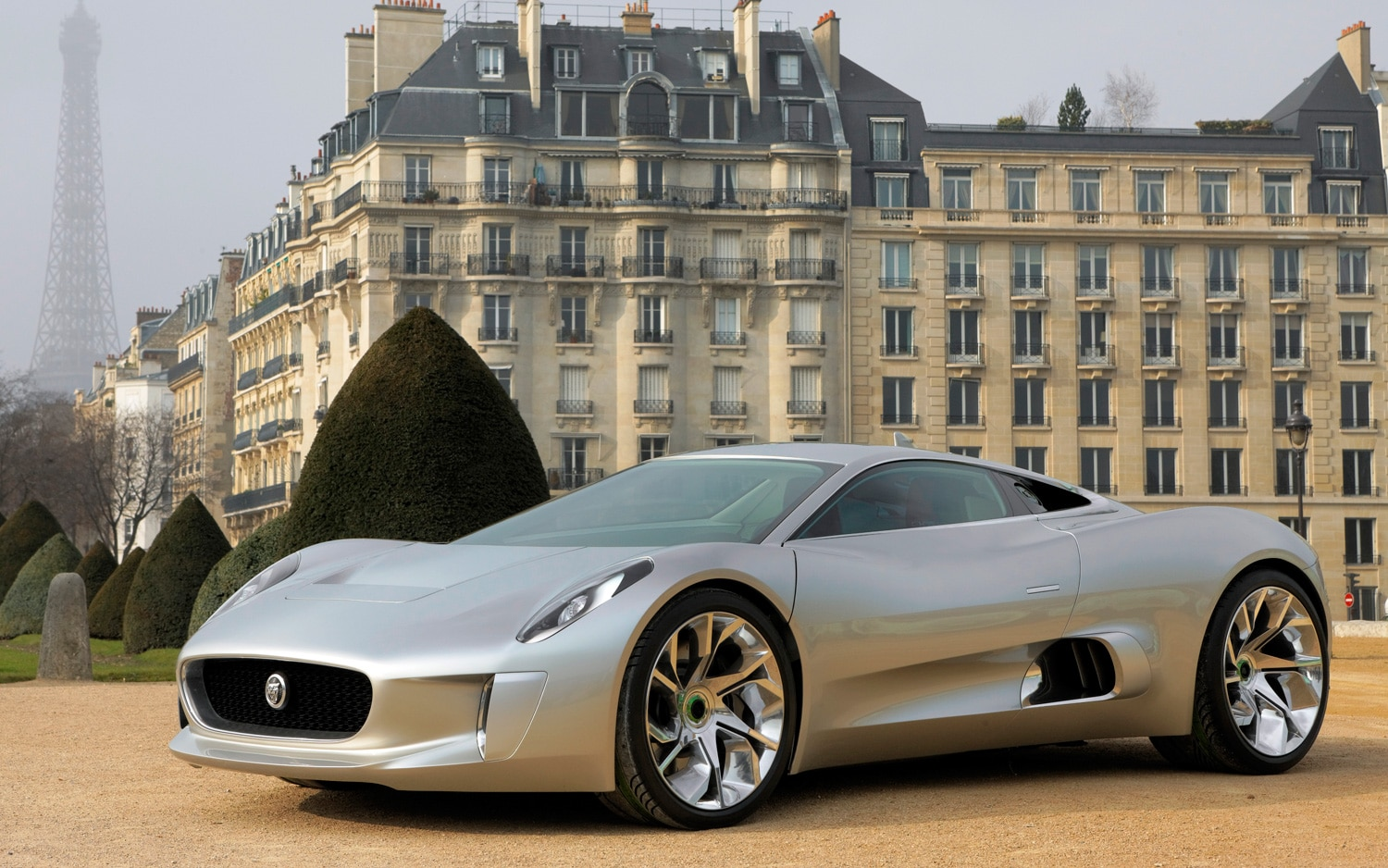 Jaguar C X75 Concept Front Three Quarter 11