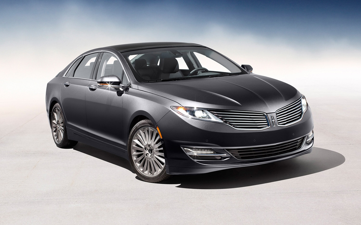 Lincoln MKZ Front Right View