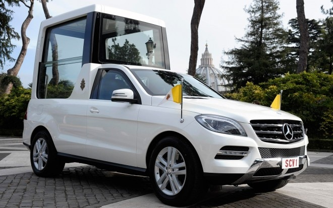 Mercedes Benz Popemobile Right Side1 660x413