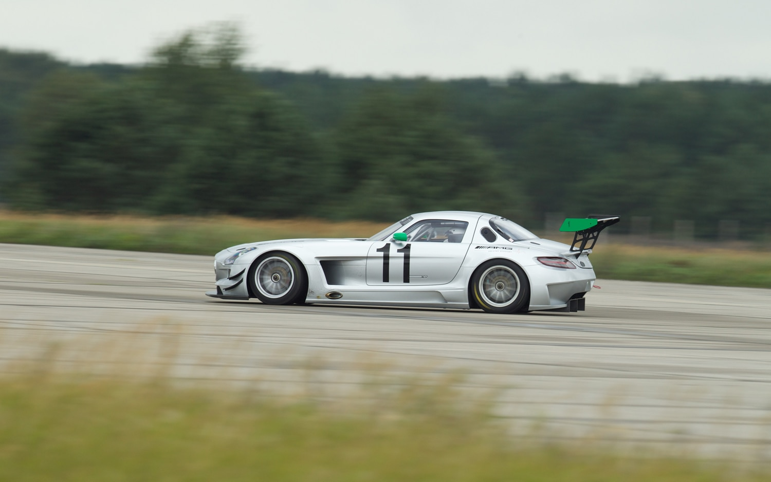 Mercedes Benz SLS AMG GT3 Gross Doelln Rear Three Quarters In Motion1