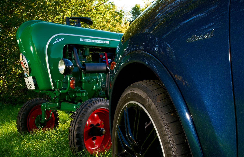 Porsche Diesel Tractor P111 Nose View1