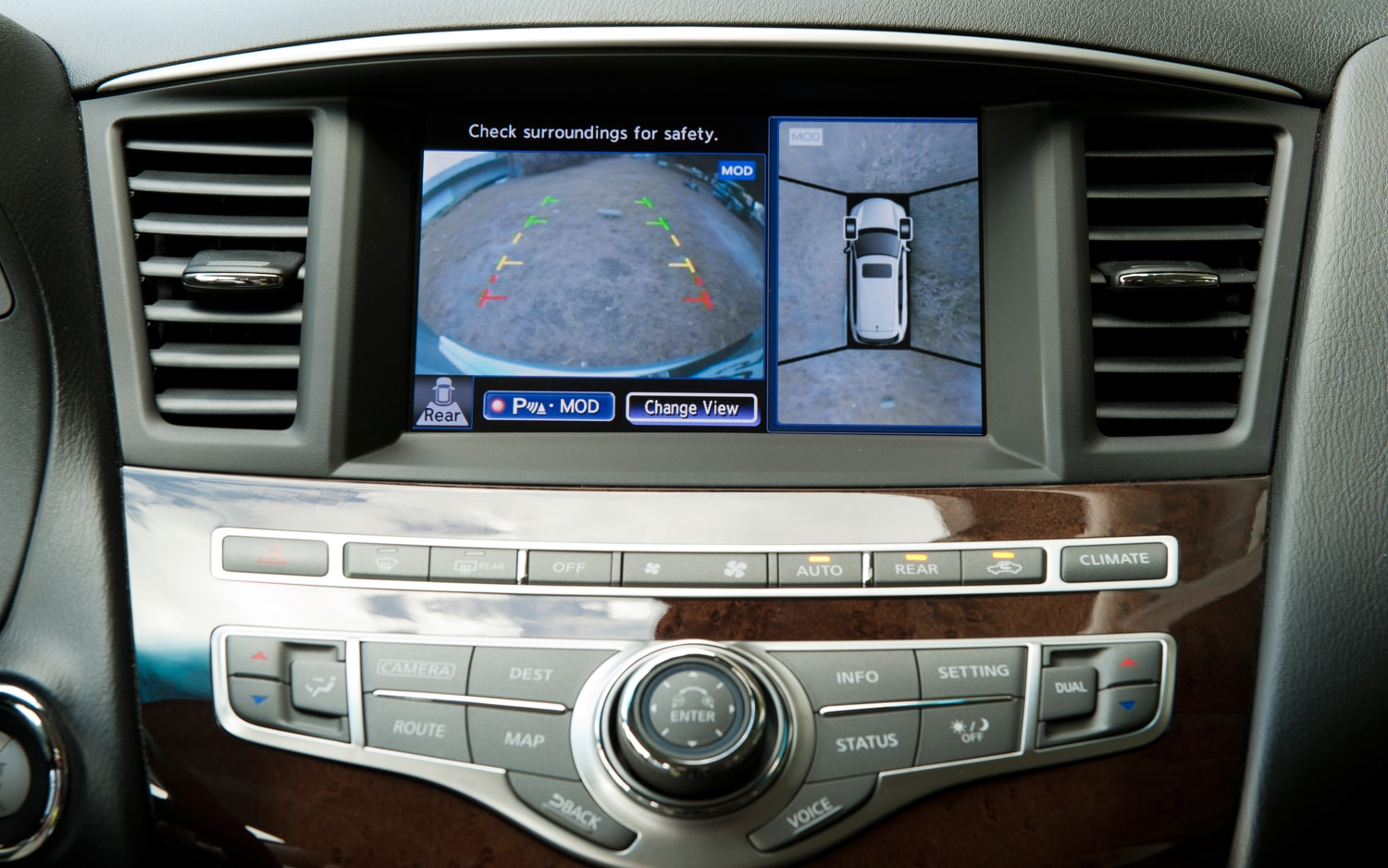 Rear View Camera In Infiniti JX1