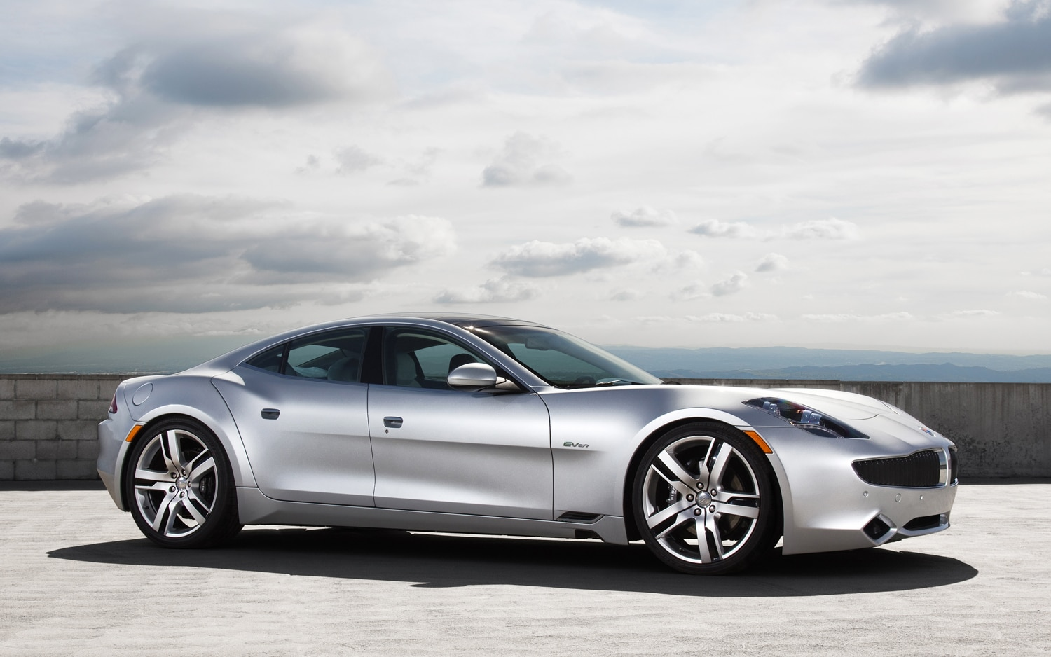 Fisker Karma Front Right Side View1