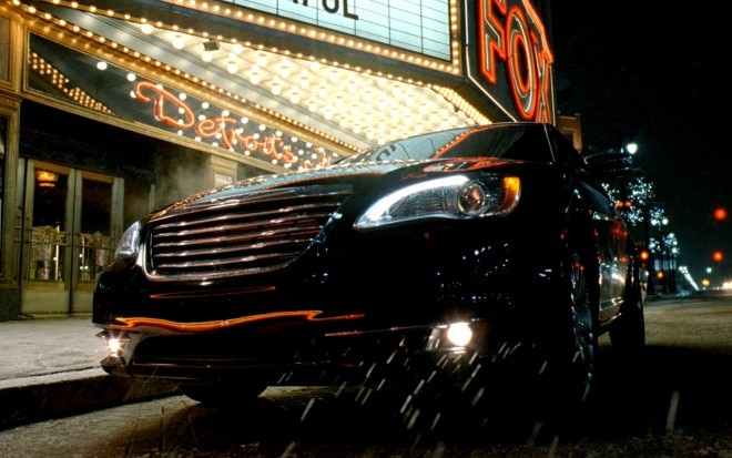 2011 Chrysler 200 Super Bowl Ad 660x413