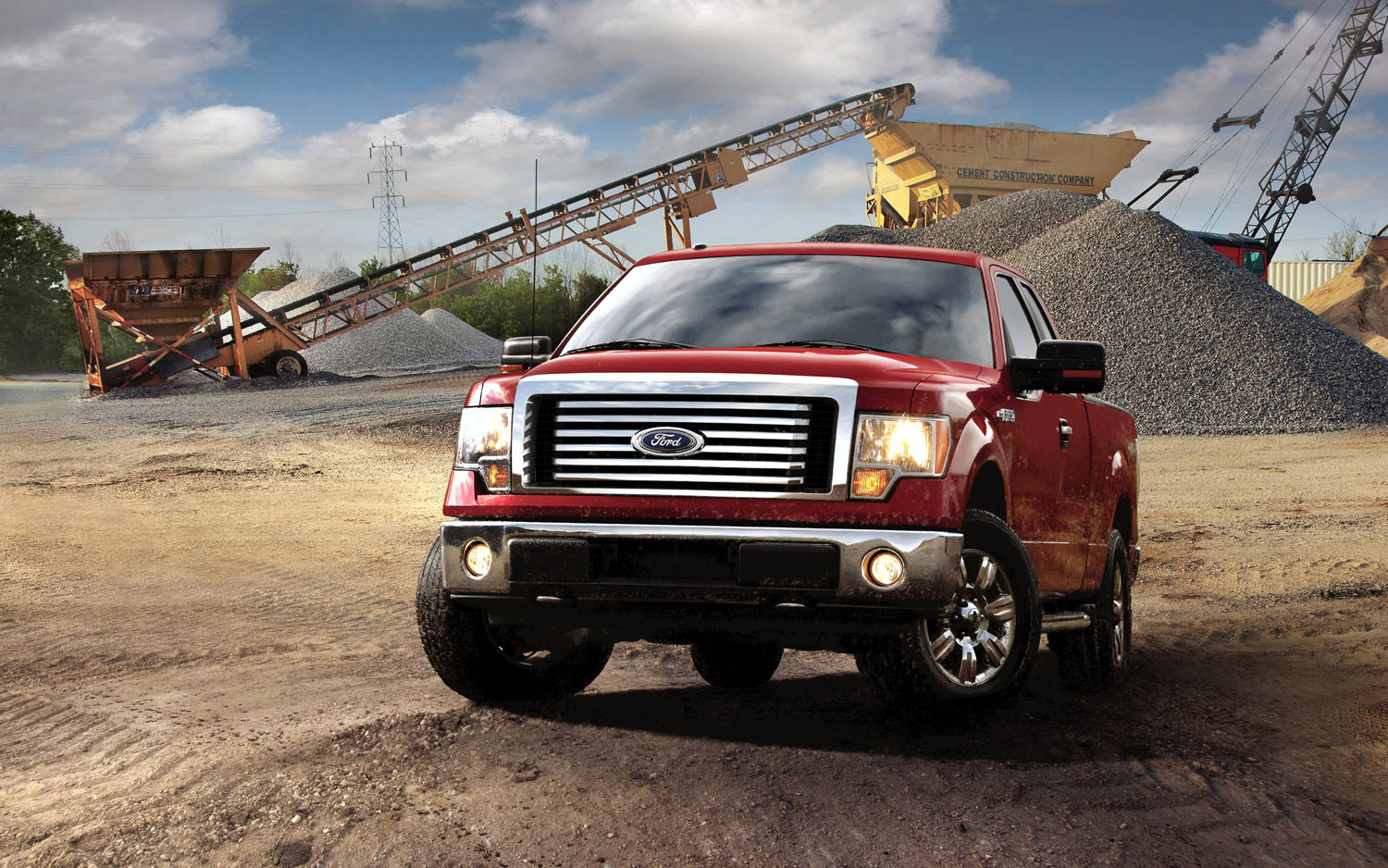 2012 Ford F 150 XLT Front Three Quarter Worksite1