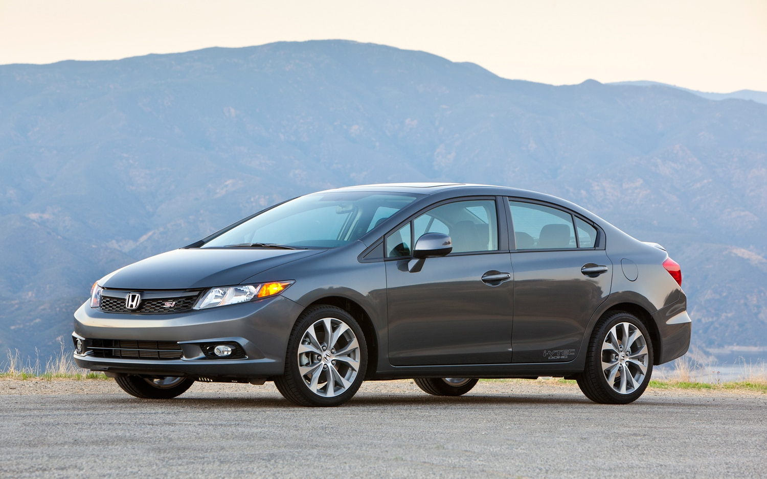 2012 Honda Civic Si Sedan Left Front1
