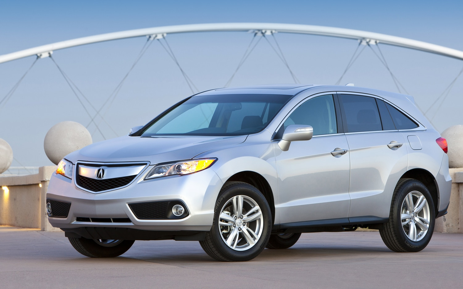 2013 Acura RDX Front Left View1