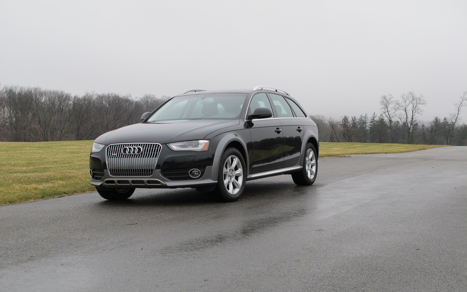 2013 Audi Allroad Front Left View1