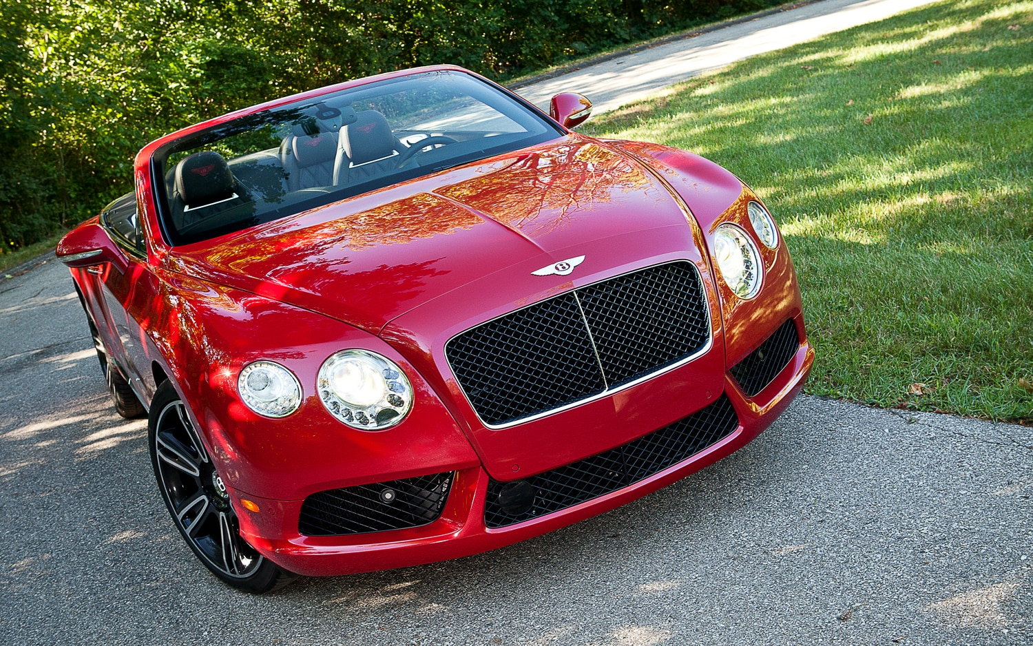 2013 Bentley Continental GTC V8 Front Right View1