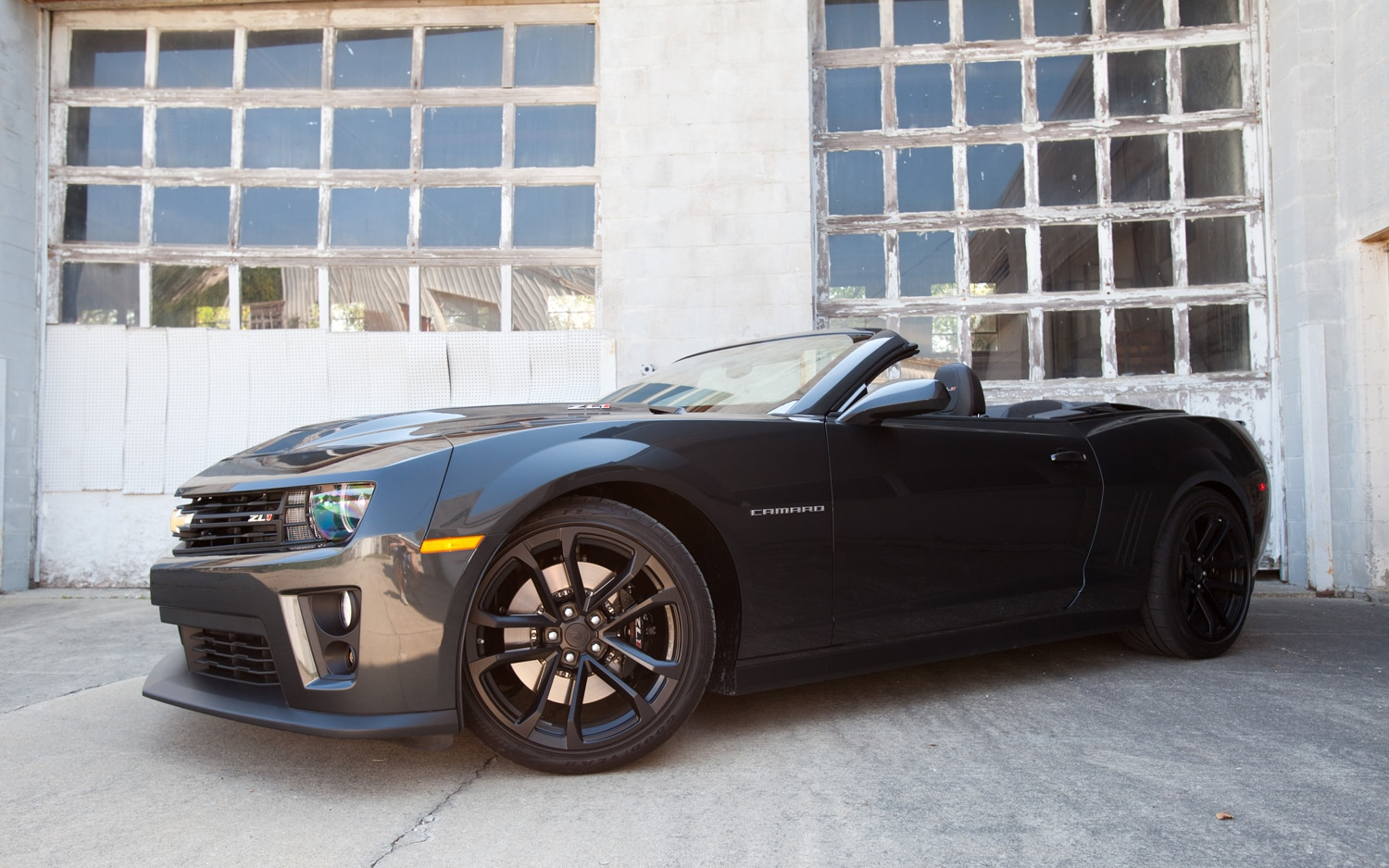 2013 Chevrolet Camaro ZL1 Convertible Front Left Side View 21