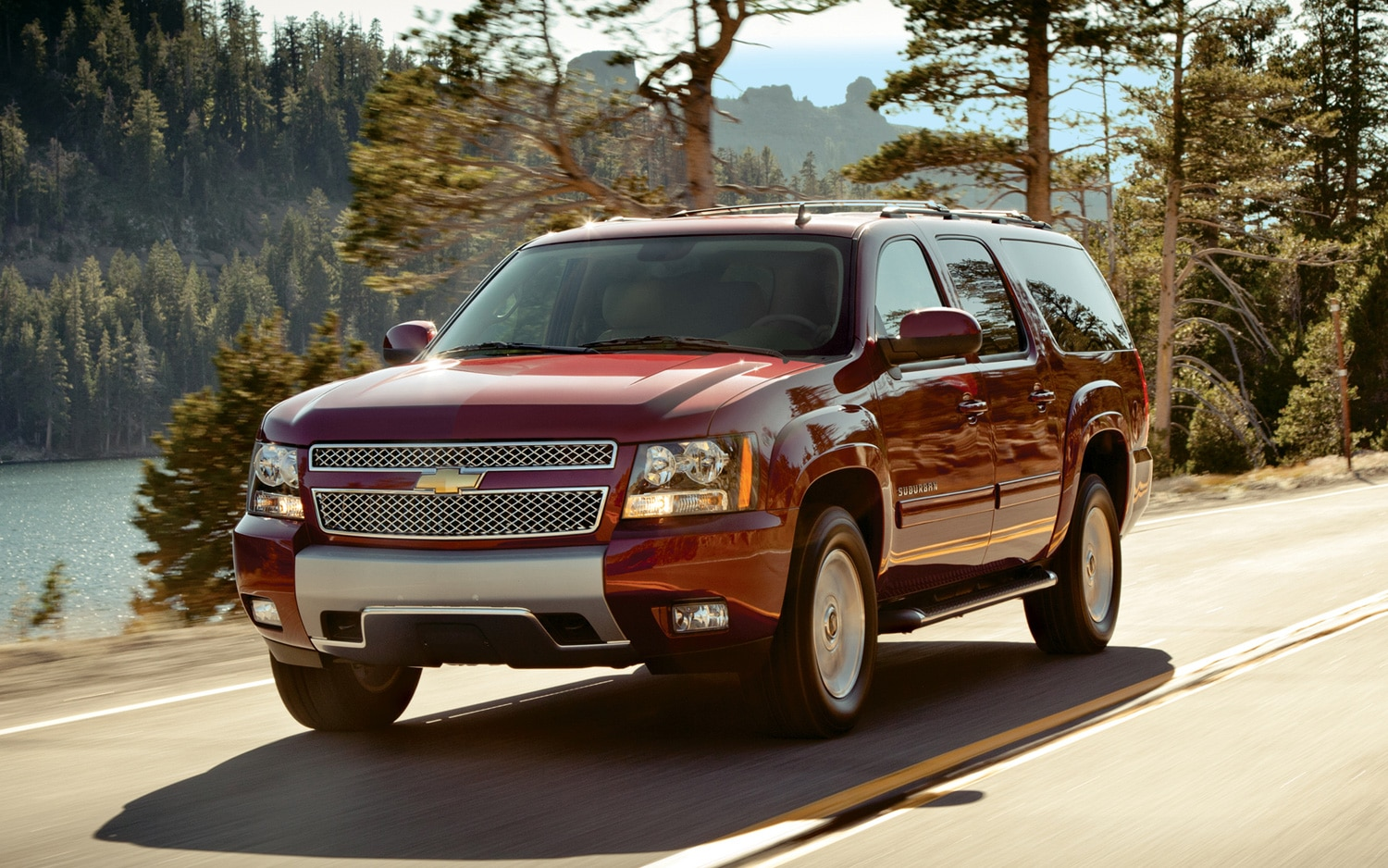 2013 Chevrolet Suburban Front Three Quarter1