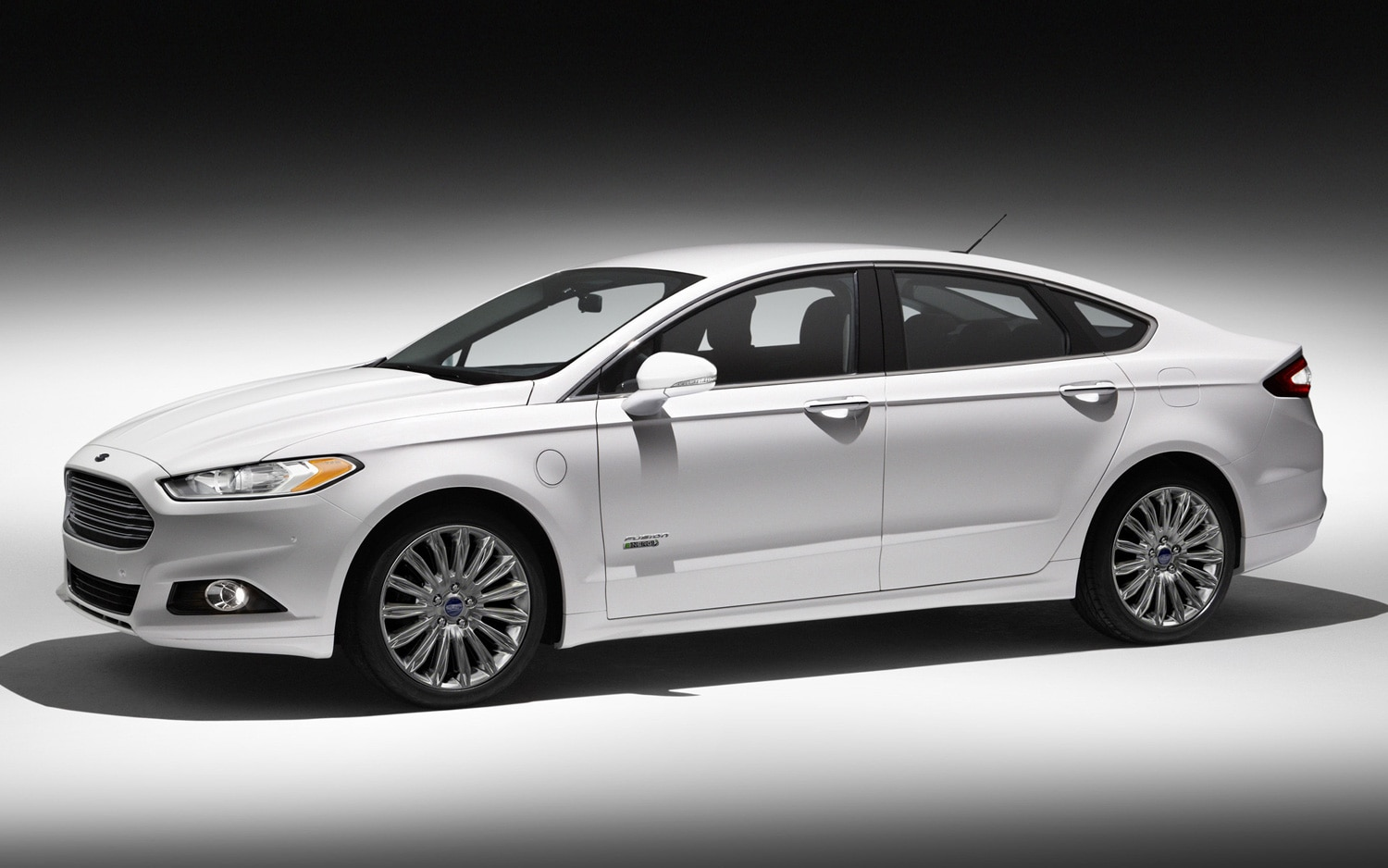 2013 Ford Fusion Energi Left Side1
