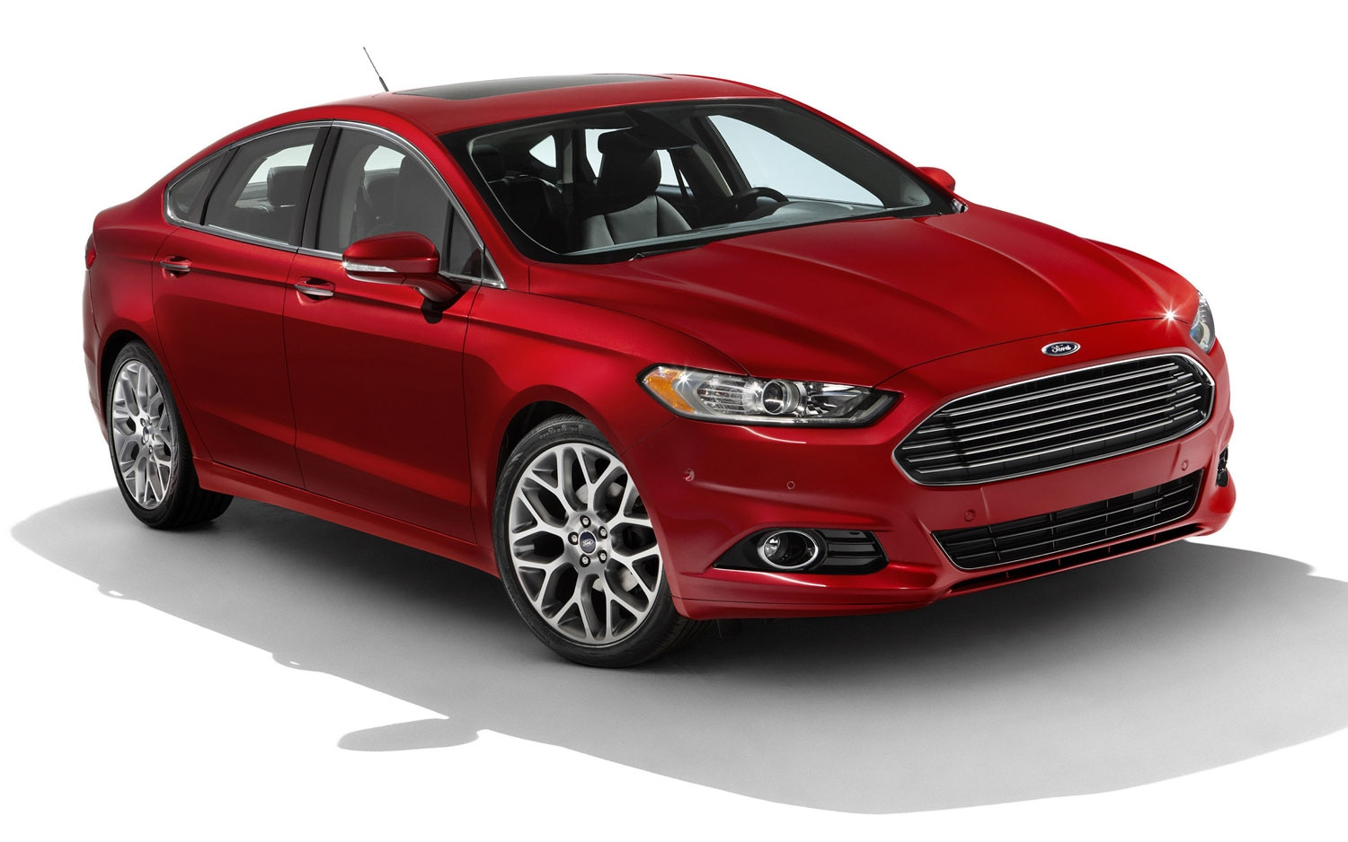 2013 Ford Fusion Front Three Quarter 31