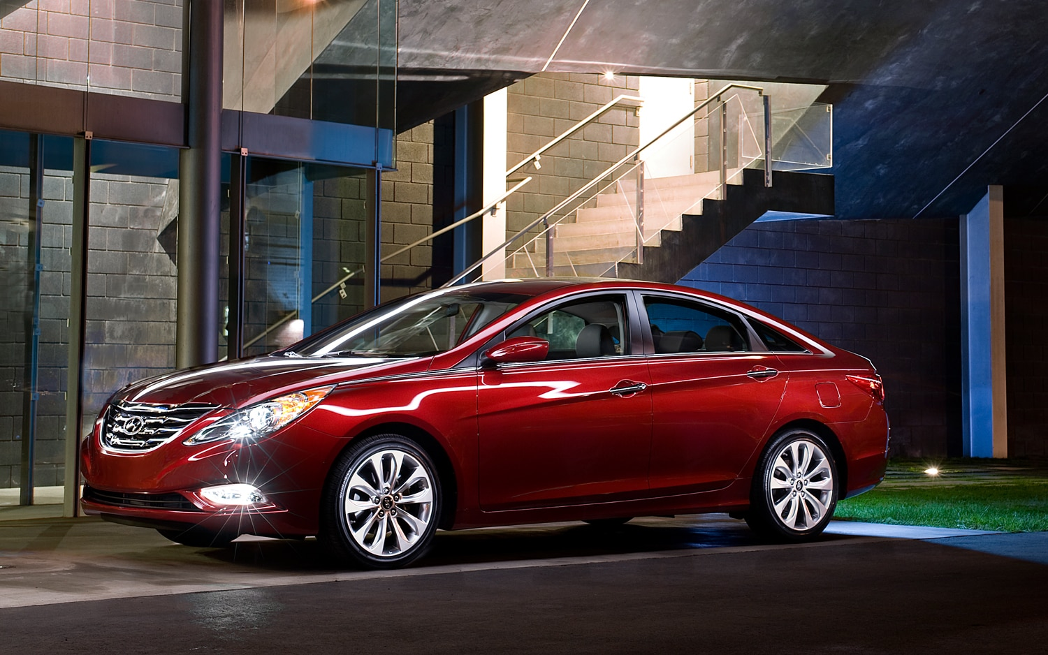 2013 Hyundai Sonata Left Side View1
