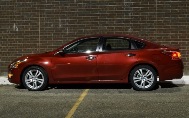 2013 Nissan Altima 3 5 SL Left Side View1 660x413