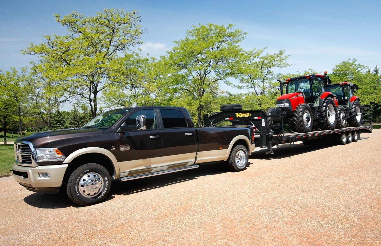 2013 Ram 3500 Laramie Longhorn Towing Tractors1
