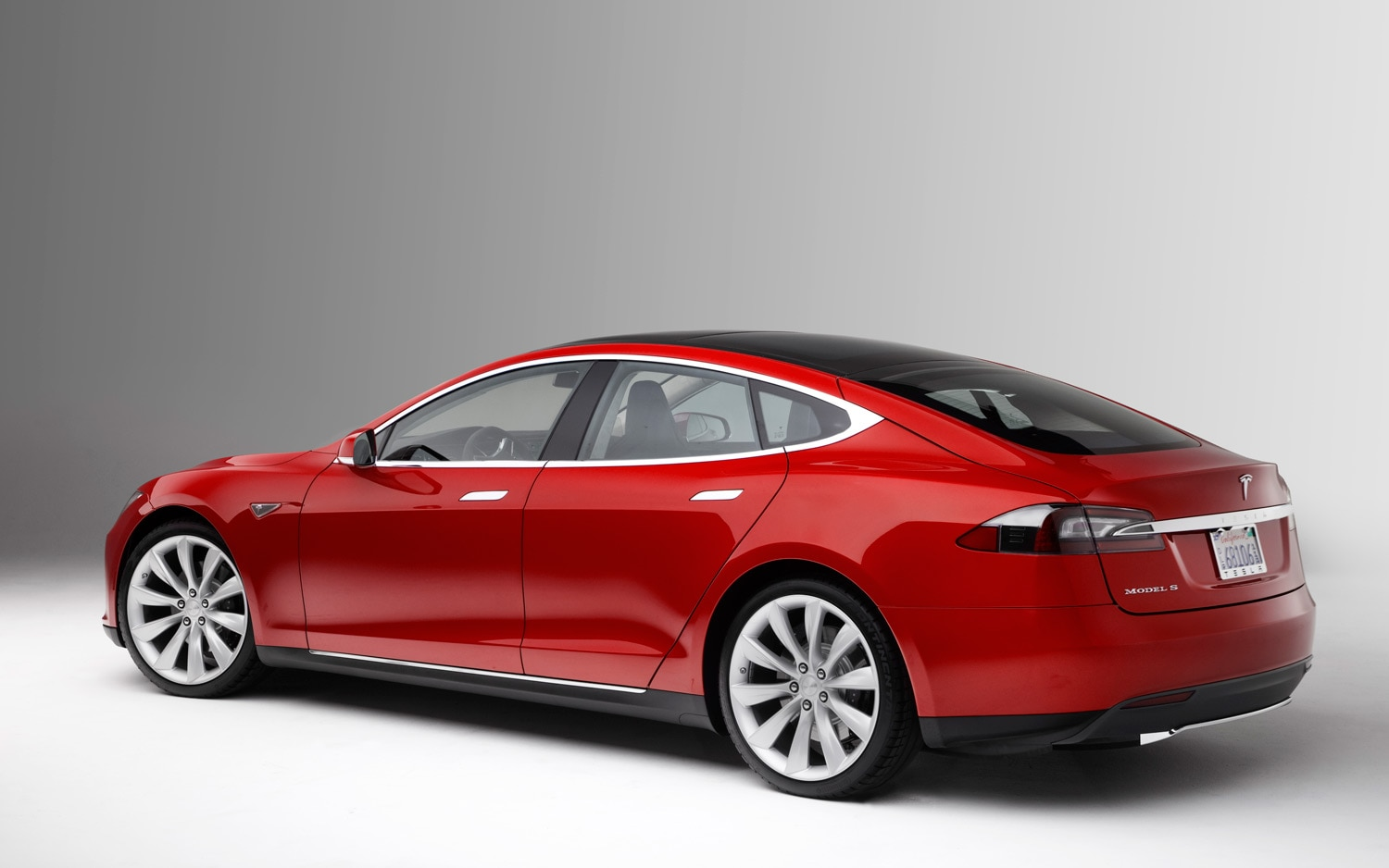 2013 Tesla Model S Rear Three Quarter 11