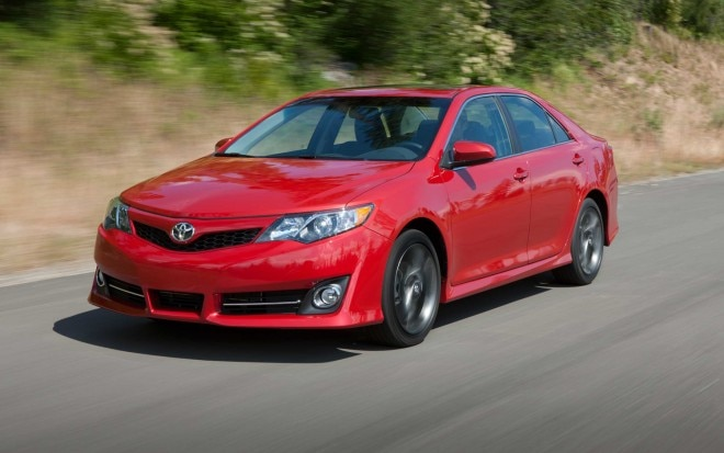 2013 Toyota Camry SE Left Front1 660x413