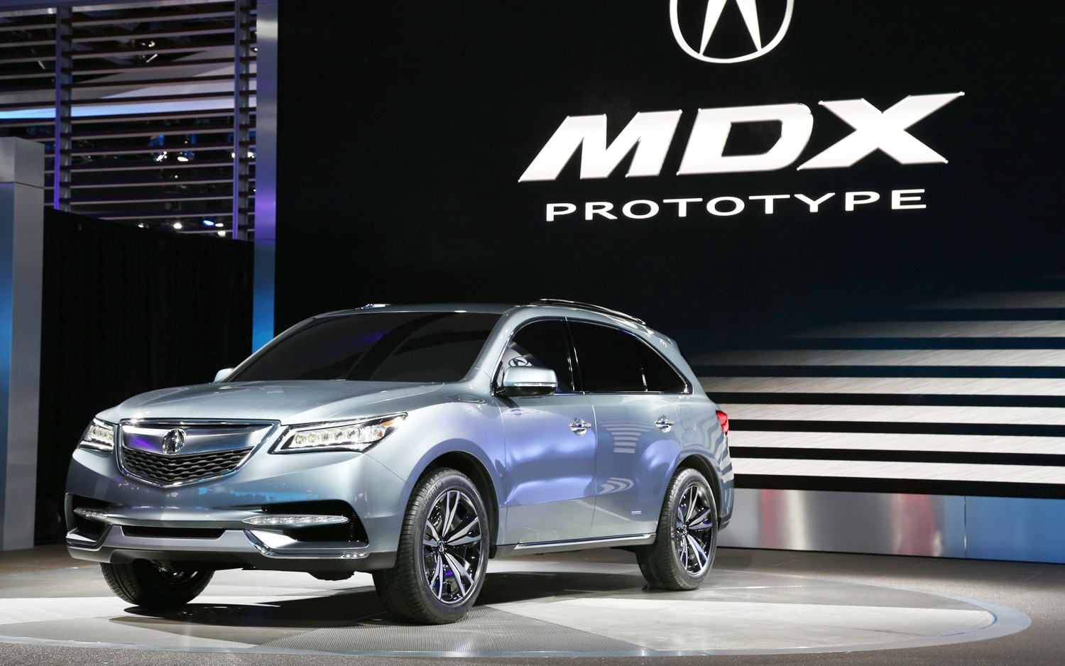 2014 Acura MDX Prototype Front Three Quarters1