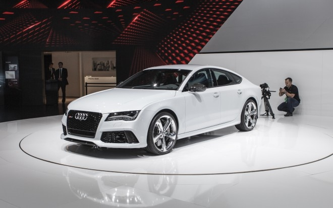 2014 Audi RS7 Front Three Quarters 21 660x413
