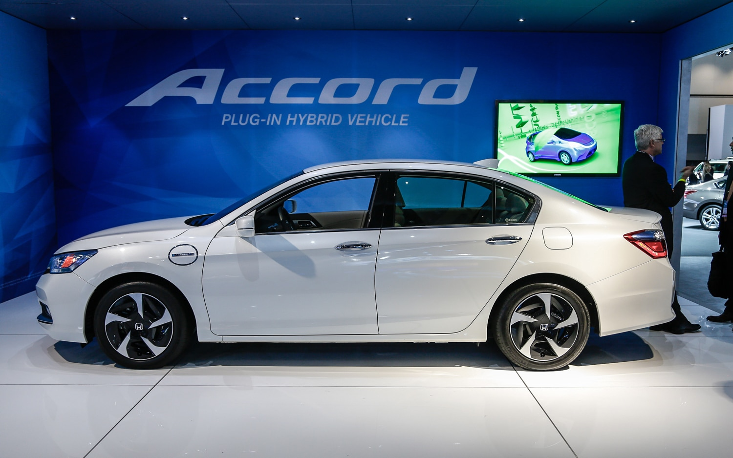 2014 Honda Accord Hybrid Left Side View