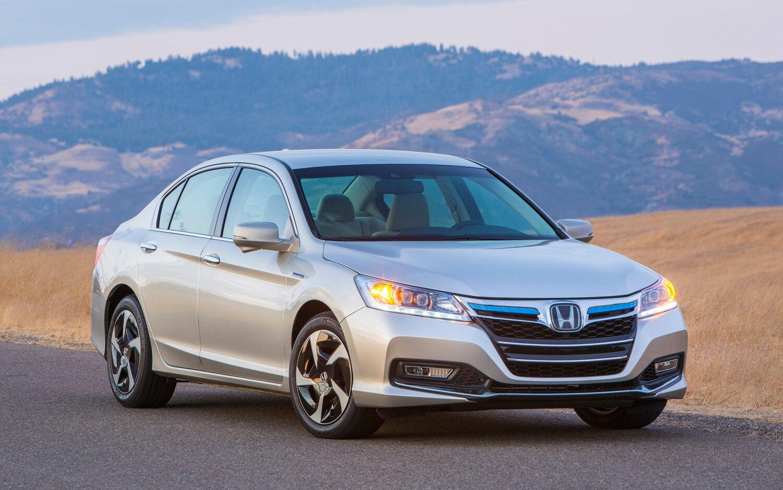 2014 Honda Accord PHEV Right Front 21