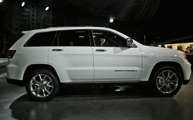 2014 Jeep Grand Cherokee Side Profile1 660x413