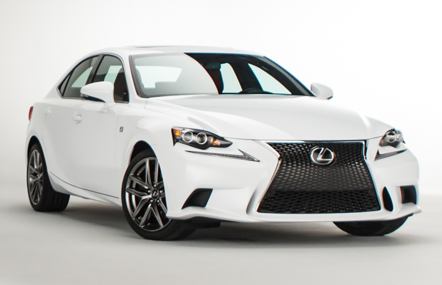 2014 Lexus IS 350 F Sport Front Three Quarters View 21