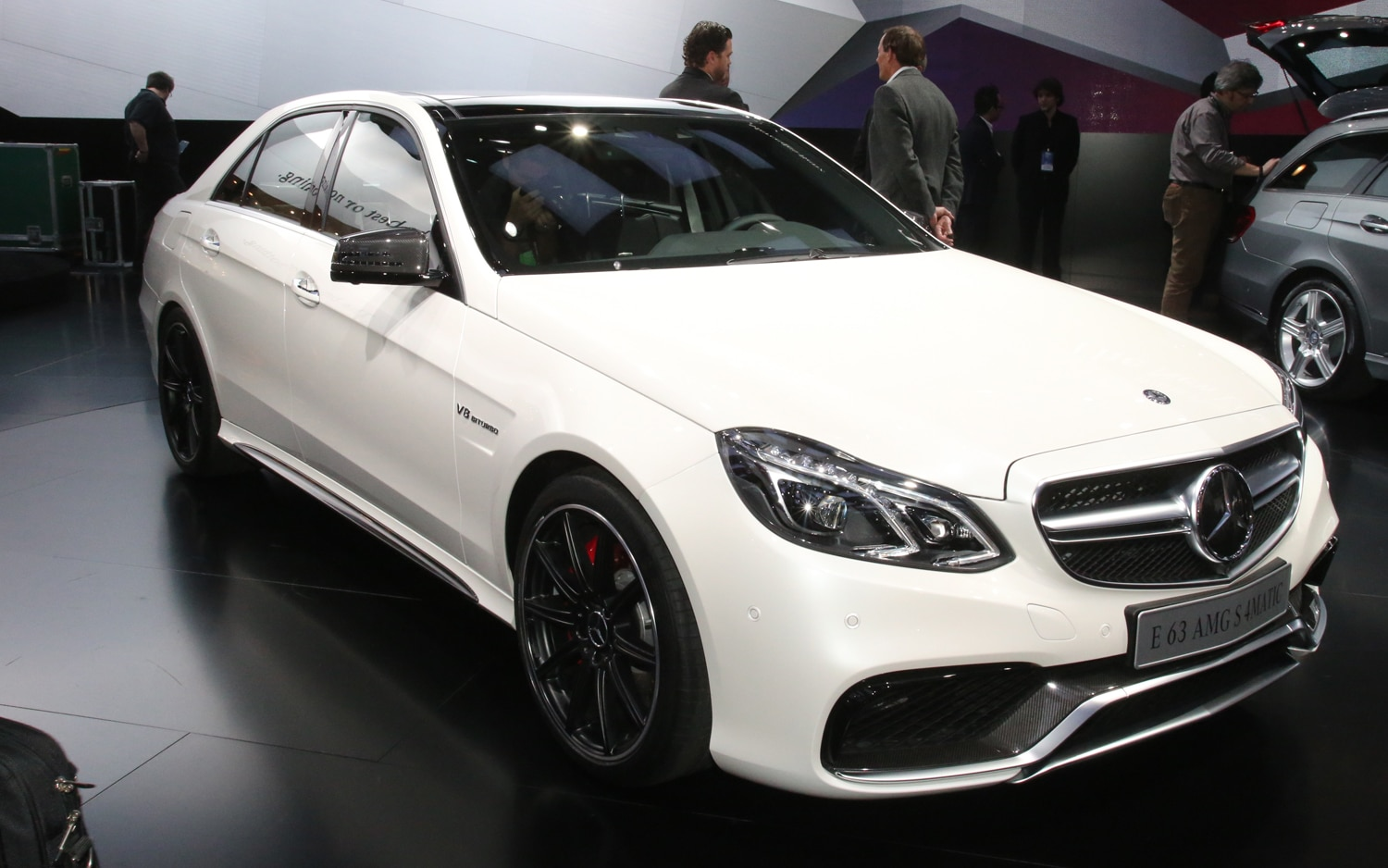 2014 Mercedes Benz E63 AMG 4Matic Front1