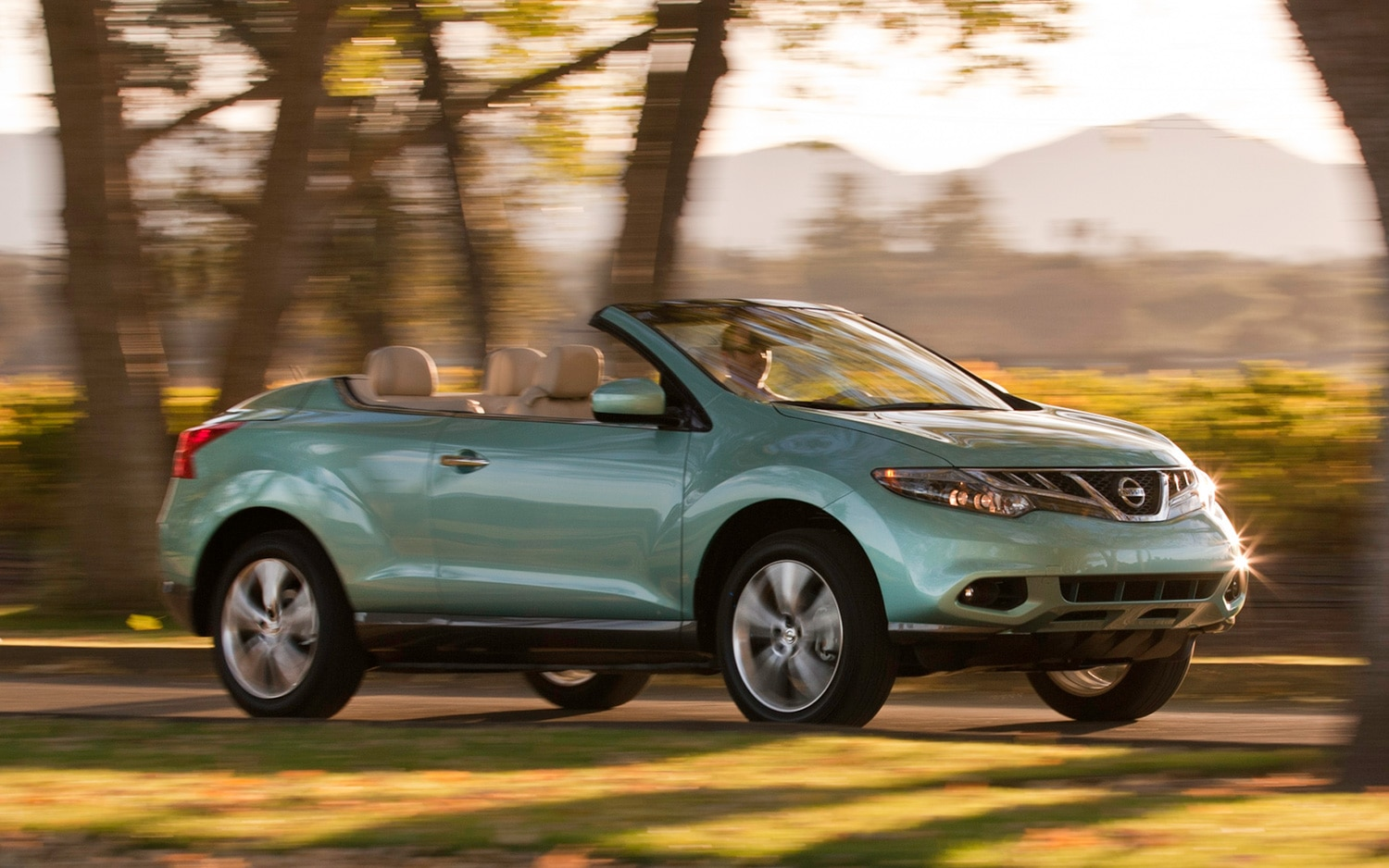 nissan increases prices on 2014 gt r drops price of 2014 murano crosscabriolet. Black Bedroom Furniture Sets. Home Design Ideas