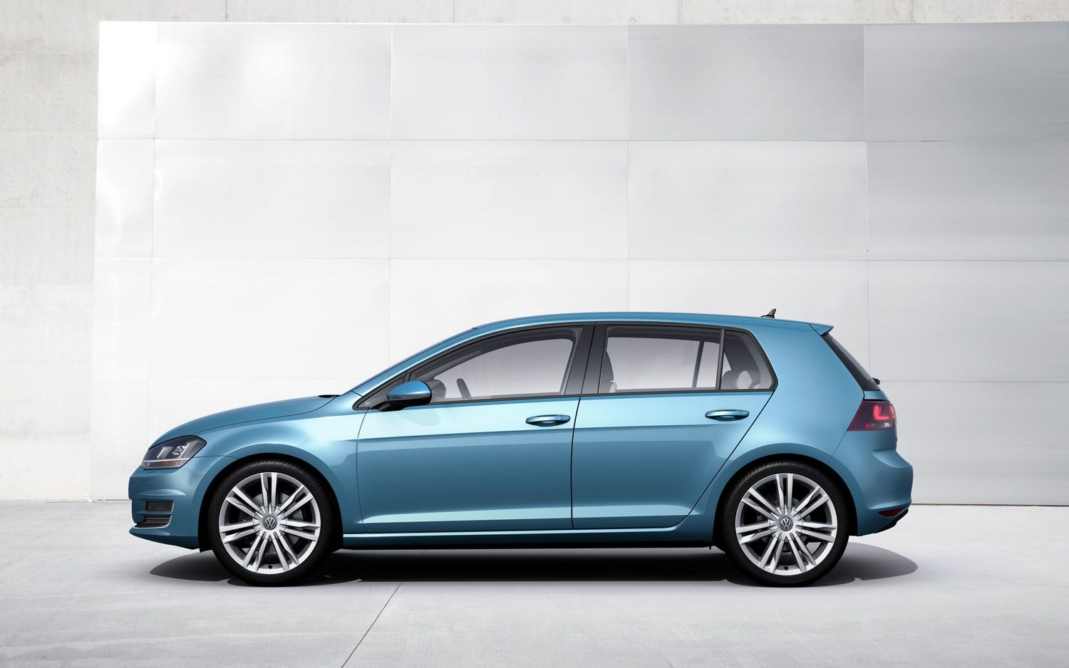 2014 Volkswagen Golf Left Side1