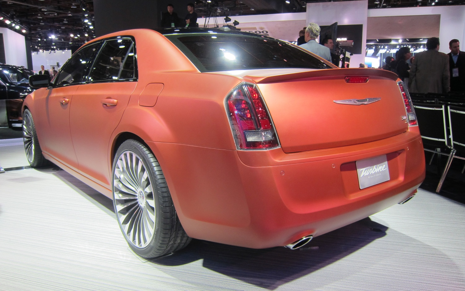 detroit 2013 chrysler pays tribute to its past with 300s turbine concept. Black Bedroom Furniture Sets. Home Design Ideas